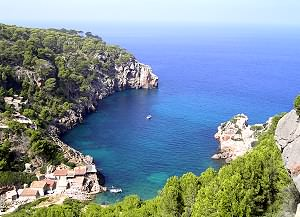 Visit Cala Deia during your boat excursion