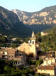 Walking in the Valldemossa region